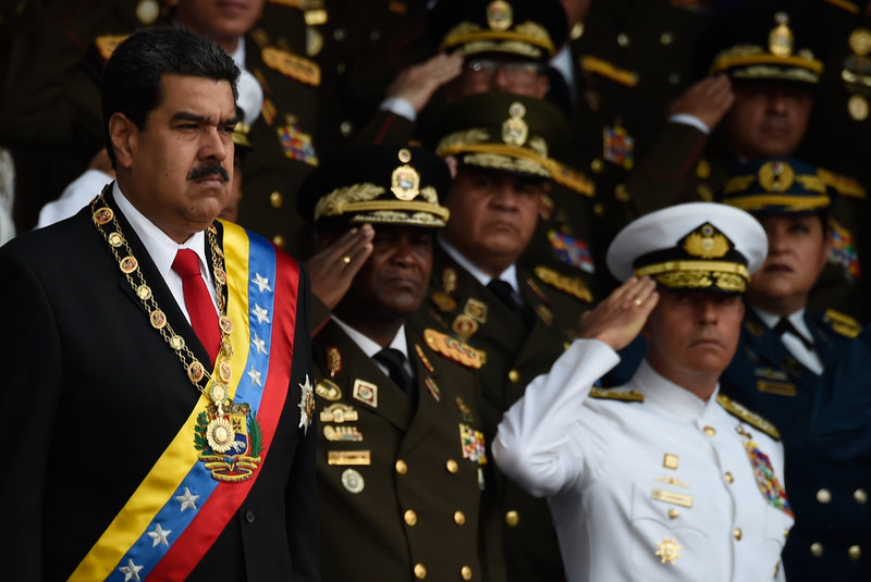 Maduro'ya Bombalı Saldırı! 7 Asker Yaralı!