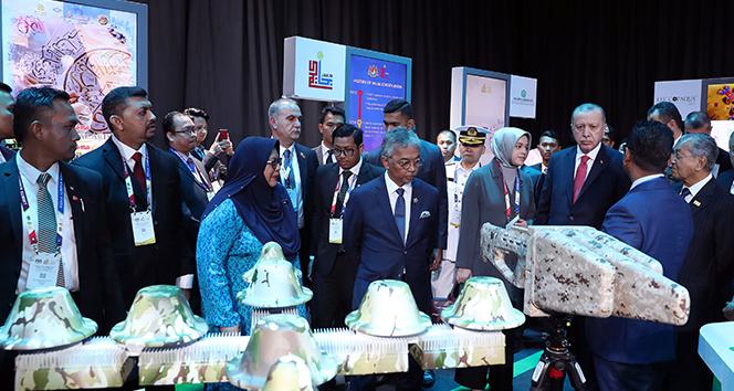 Başkan Erdoğan, Malezya Kralı tarafından verilen resmi öğle yemeğine katıldı