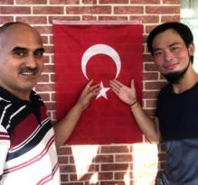Japonya'dan geldi Müslüman oldu.!