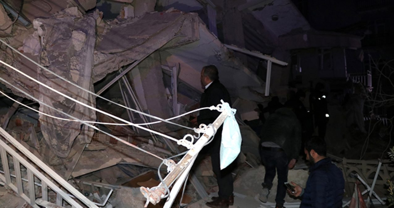 Telefon operatörlerinden deprem bölgesindeki vatandaşlara ücretsiz iletişim desteği