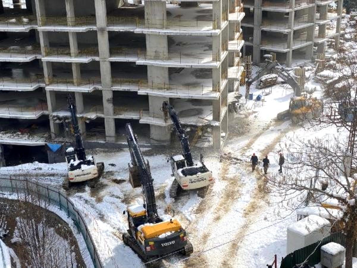Cumhurbaşkanı nın tepki gösterdiği binaların yıkımı başladı