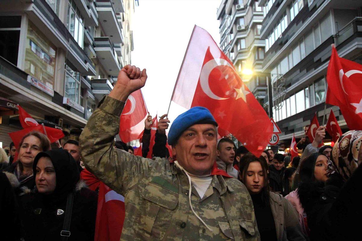 Samsun da İdlib şehitleri için saygı yürüyüşü