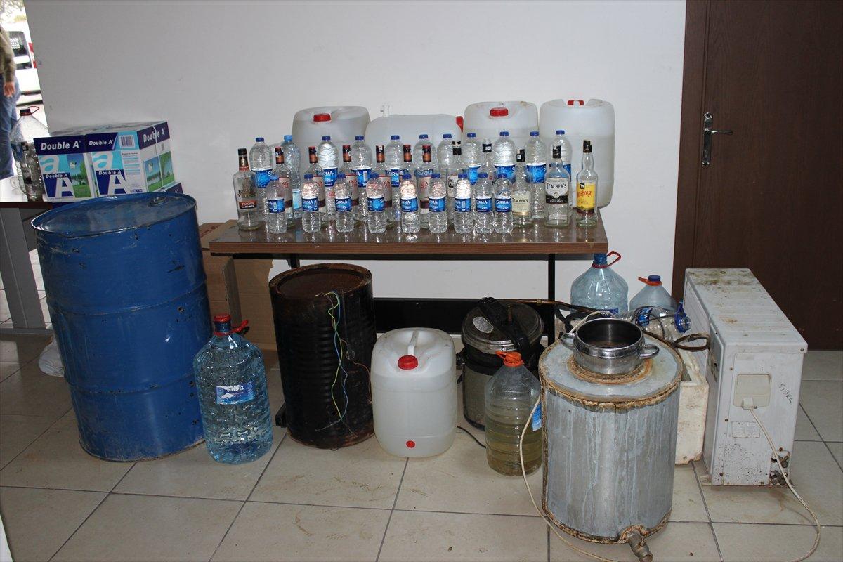 2 bin 925 litre sahte içki ele geçirildi