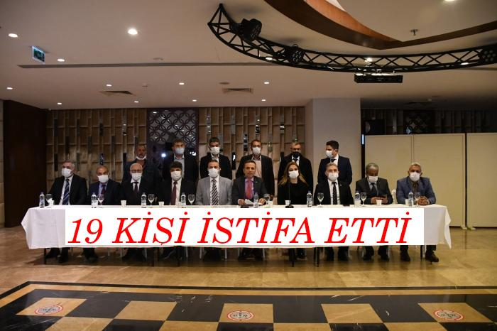 "ADANA İYİ PARTİ'DE ""HDP"" DEPREMİ!19 KİŞİ İSTİFA ETTİ!"